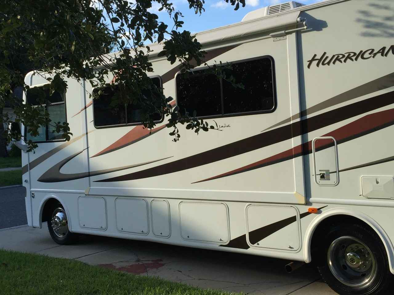 2012 used thor motor coach hurricane 31j class a in florida fl for Motor and vehicles fl
