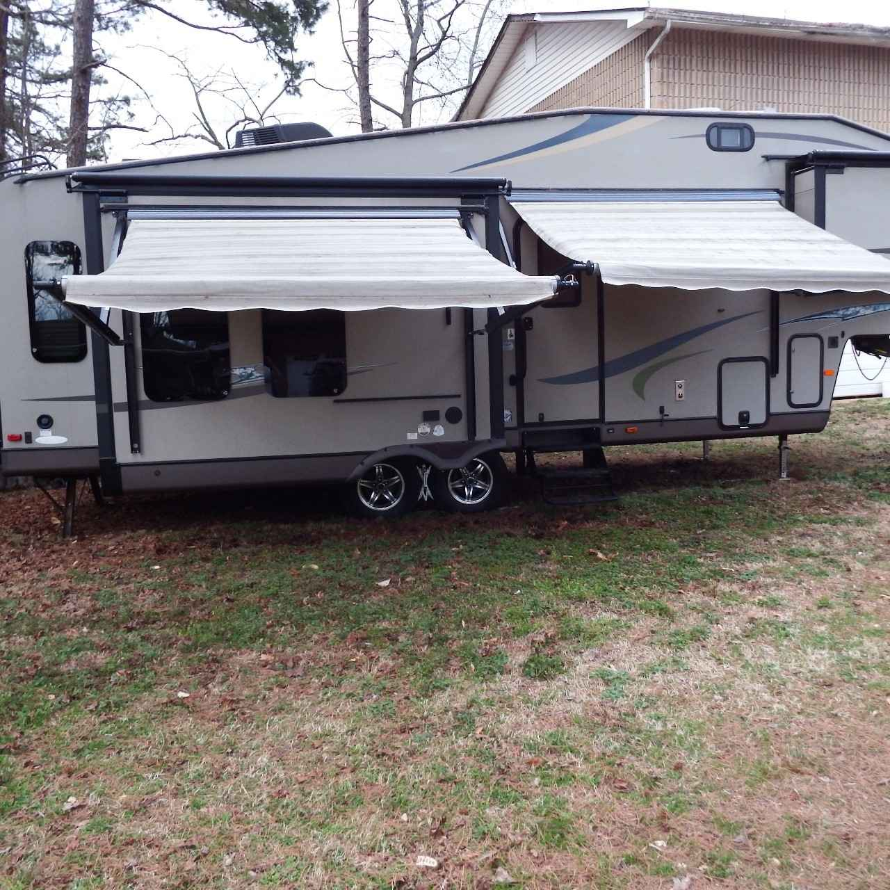 2013 Used Flagstaff Classic Super Lite 8528ikws Fifth