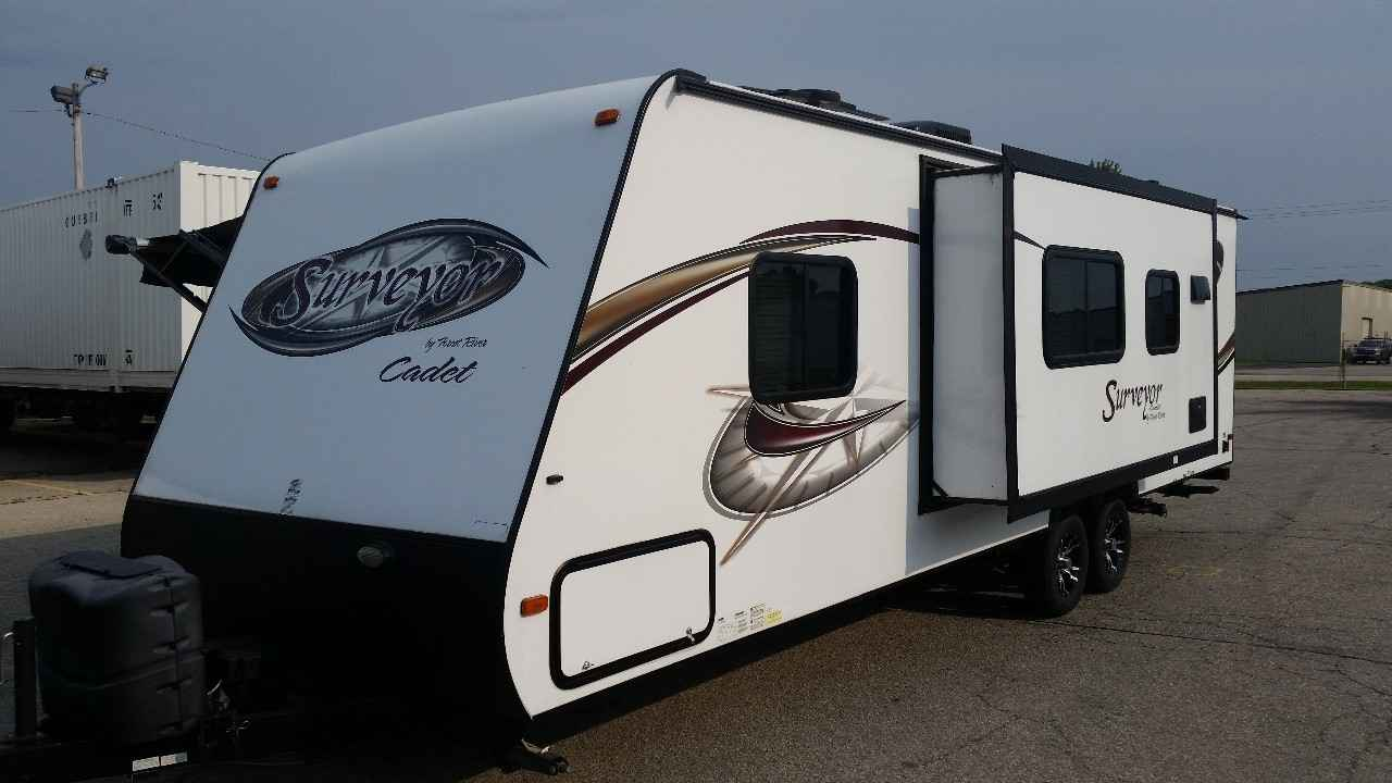 2013 Used Forest River Surveyor Sport 280bh Travel Trailer