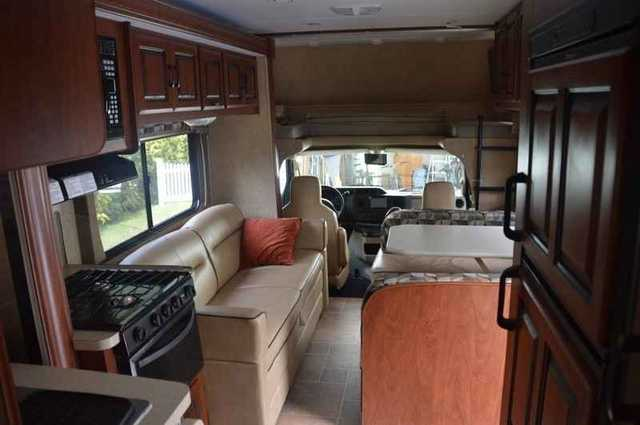 2013 Used Forest River Sunseeker 2860ds Class C In
