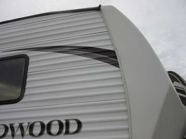 2013 Used Forest River Wildwood 24rls Fifth Wheel In South