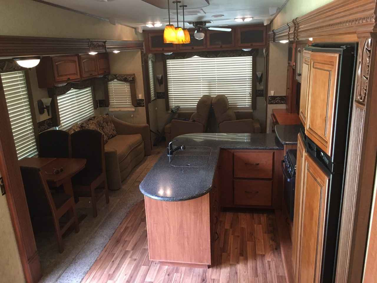 2013 Used Heartland Big Country 3450ts King Bed W D Prep