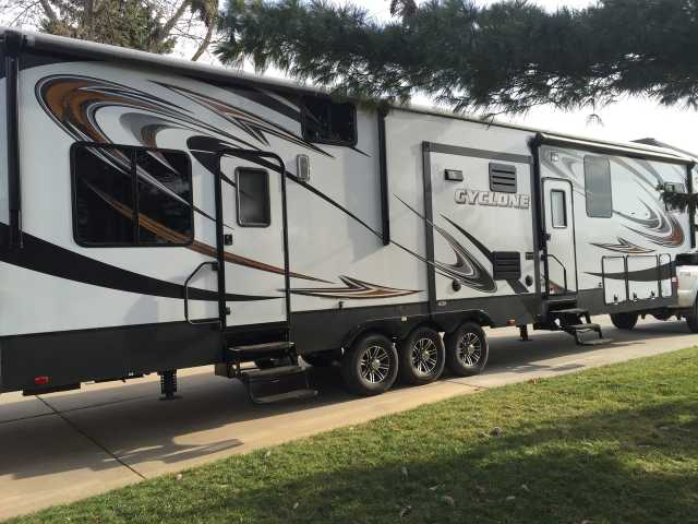 2013 used heartland cyclone 4100 king toy hauler in. Black Bedroom Furniture Sets. Home Design Ideas