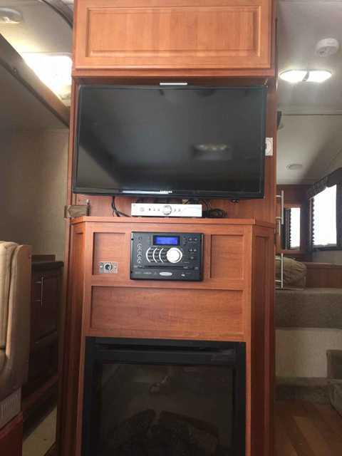2013 Used Host Mammoth Truck Camper In California Ca