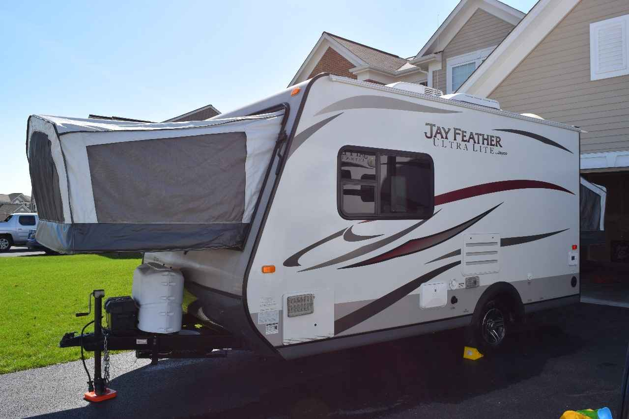 2013 Used Jayco JAY FEATHER X17Z Travel Trailer in Illinois IL