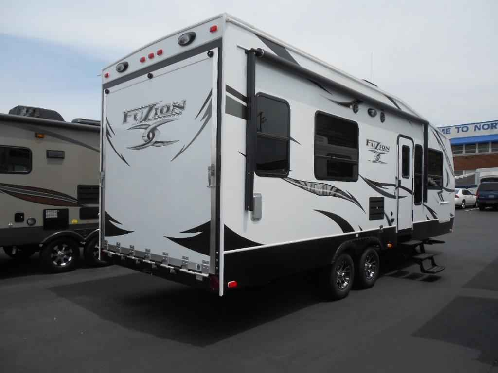 2013 Used Keystone Fuzion 260 Toy Hauler In New Hampshire Nh