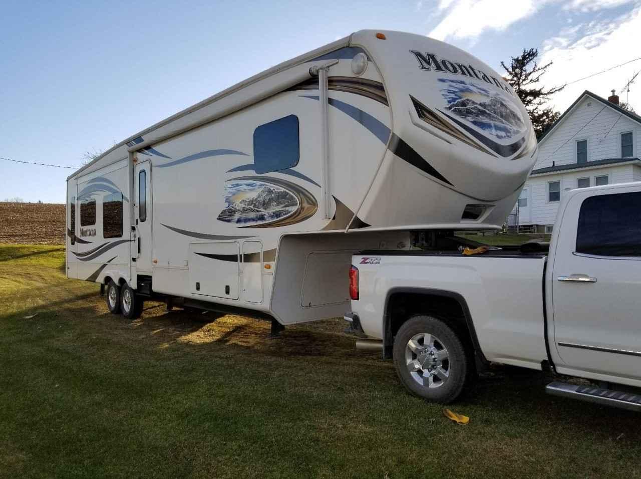 Camper Dealers In Iowa >> 2013 Used Keystone MONTANA 3402RL Fifth Wheel in Iowa IA