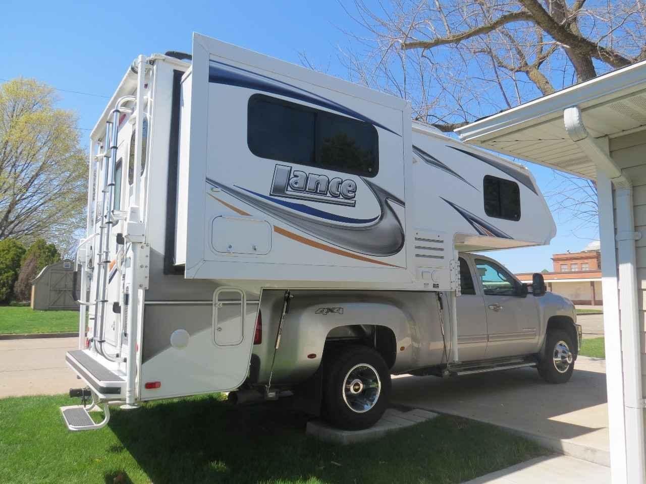 Camper Dealers In Iowa >> 2013 Used Lance 1050S Truck Camper in Iowa IA