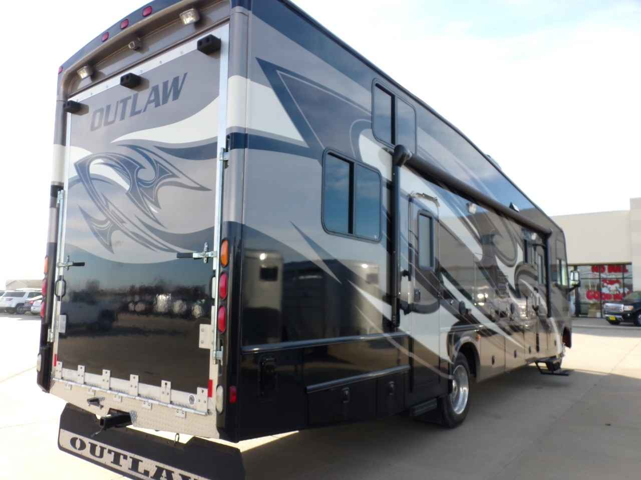 2013 Used Thor Motor Coach OUTLAW 3611 Toy Hauler in ...