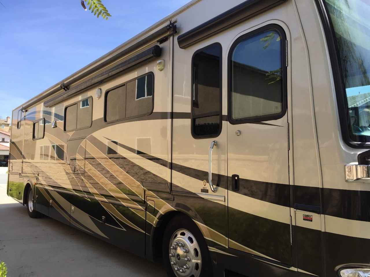 2013 Used Thor Motor Coach Tuscany Xte Class A In