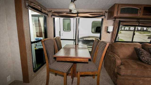 2014 New Forest River Salem Villa Estate 404fb Park Model