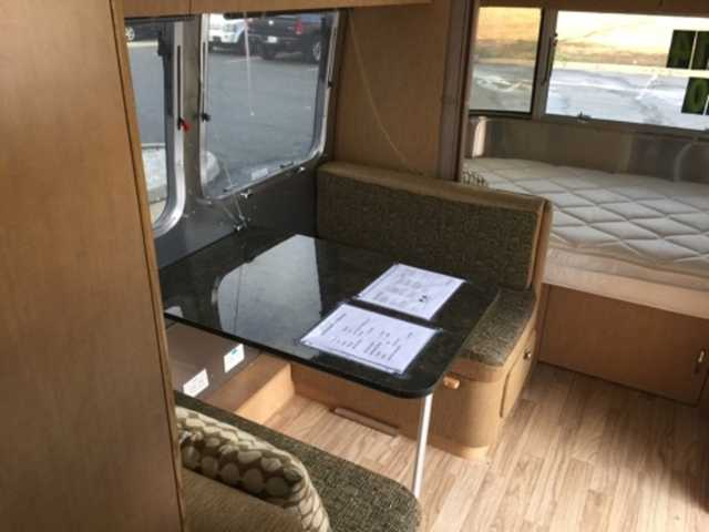 2014 Used Airstream FLYING CLOUD 20FB Travel Trailer in
