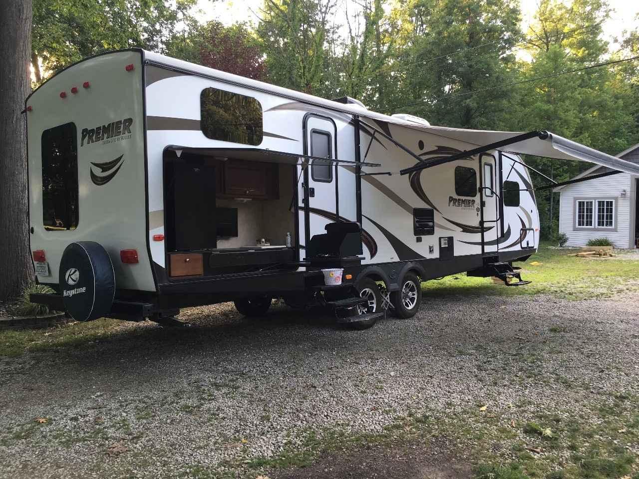 2014 Used Bullet Premier 31BHPR Travel Trailer in Michigan MI