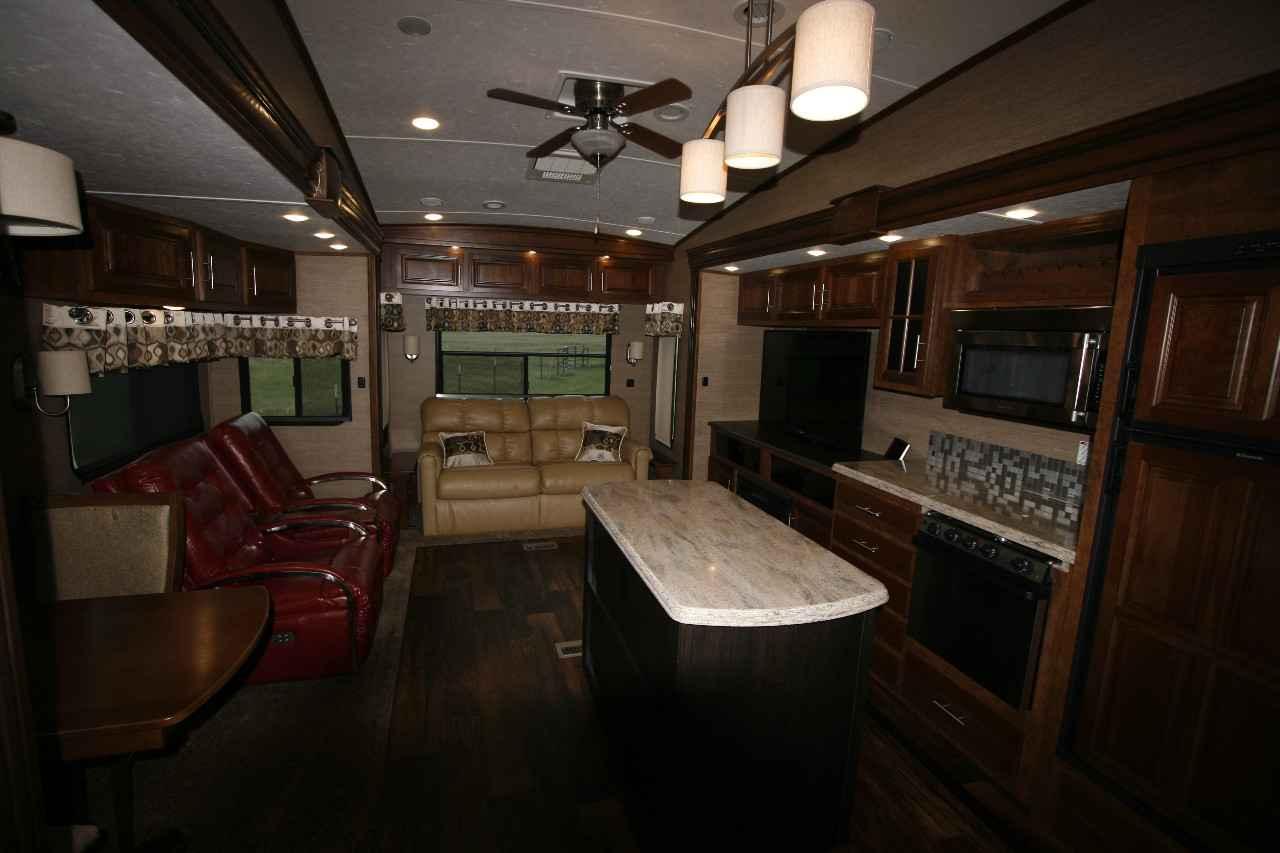 2014 Used Coachmen BROOKSTONE Fifth Wheel in Texas TX