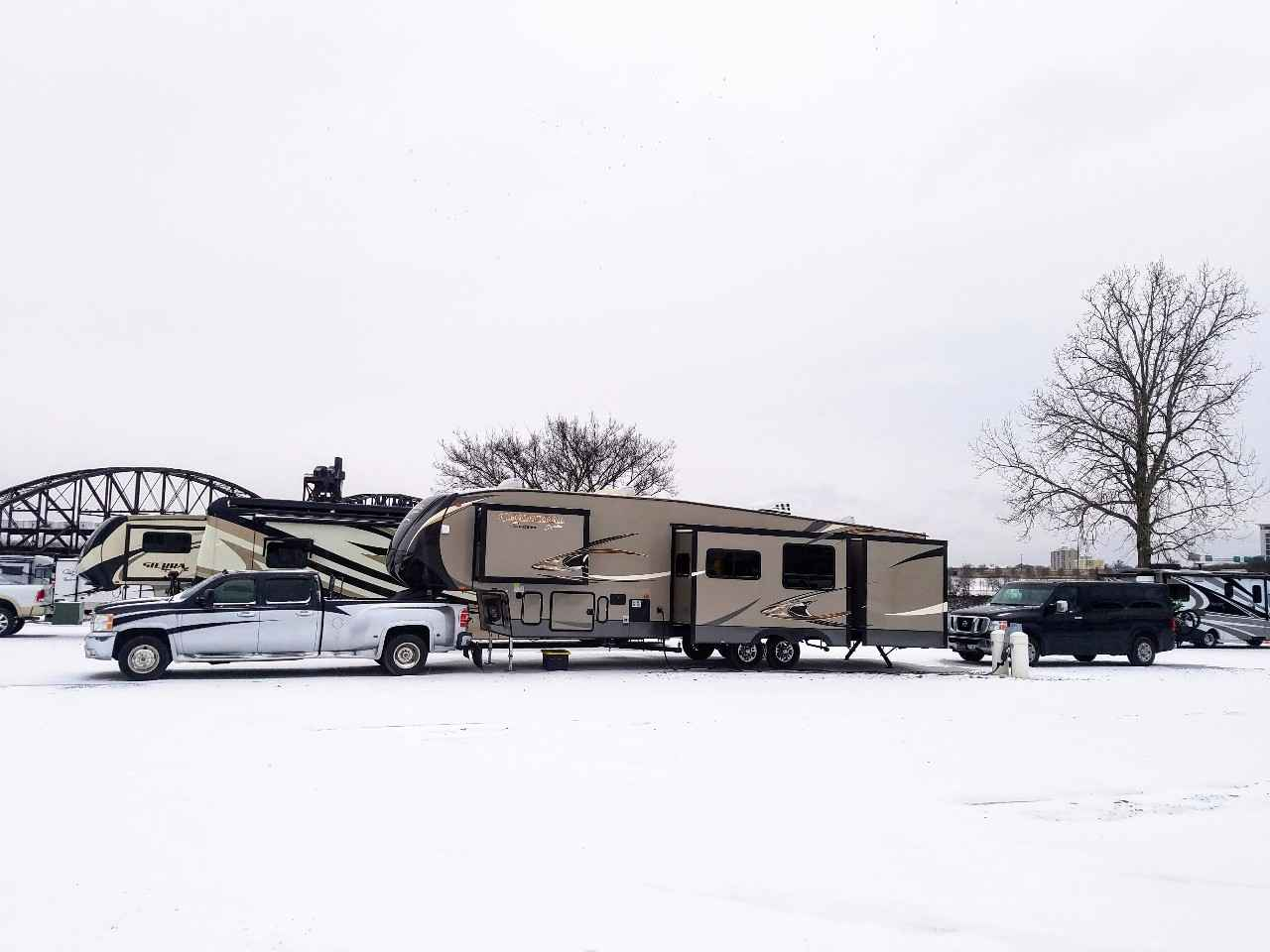 2014 Used Coachmen Chaparral 357bhs Fifth Wheel In Florida Fl