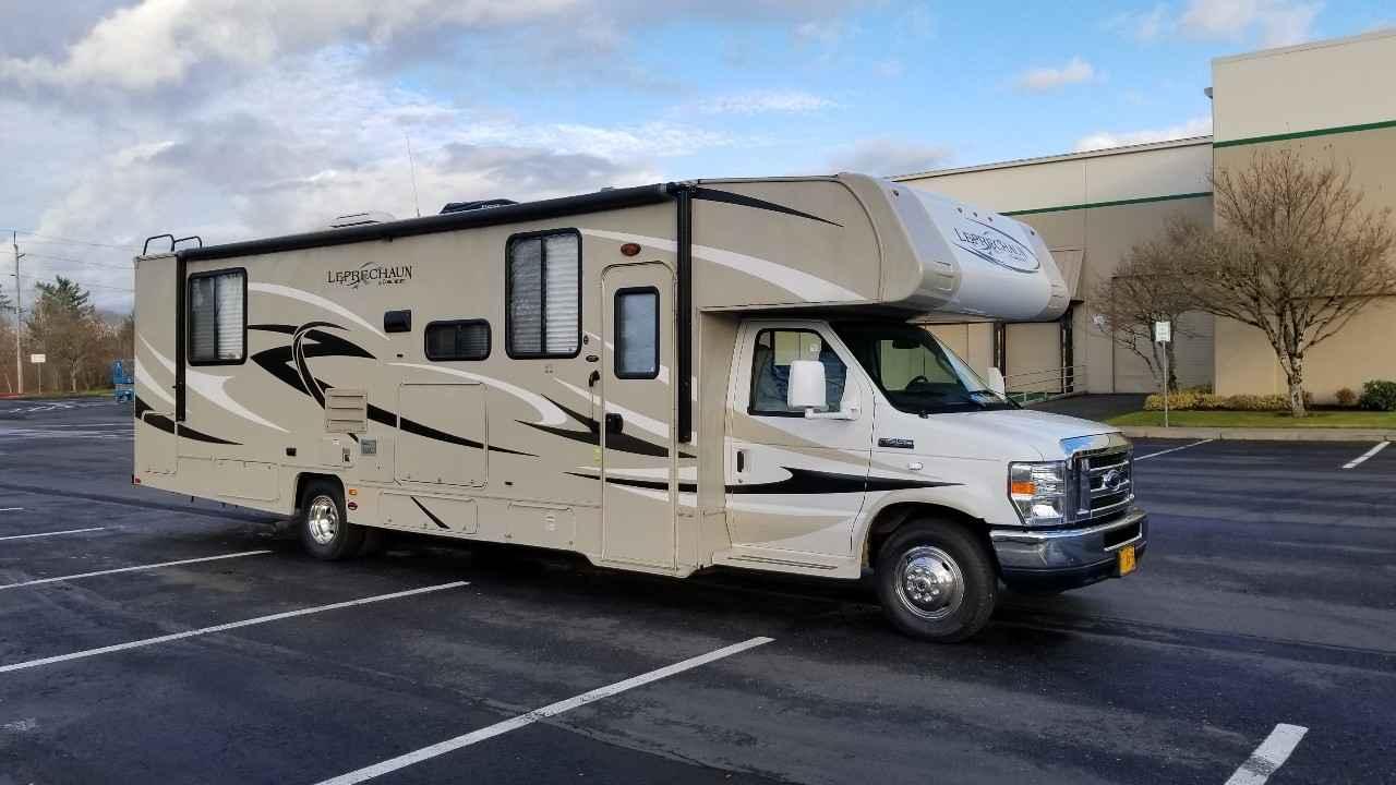 2014 Used Coachmen Leprechaun 319ds Class C In Oregon Or