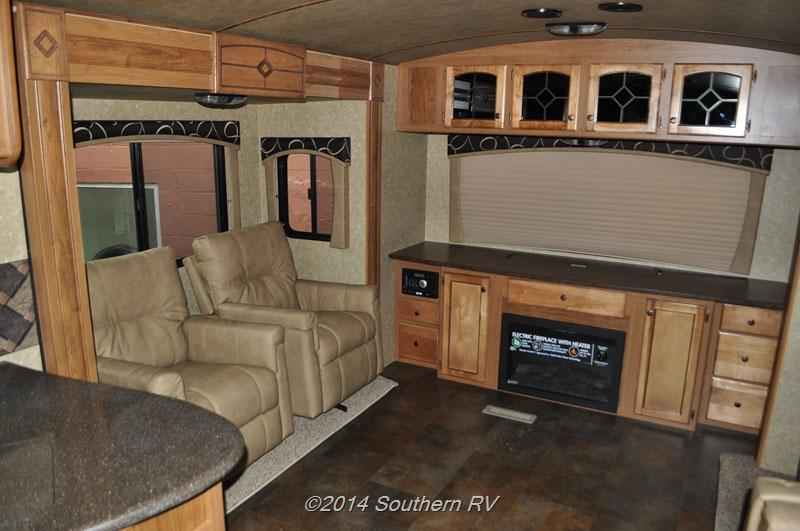 2014 Used Crossroads Sunset Trail Reserve 30re Travel