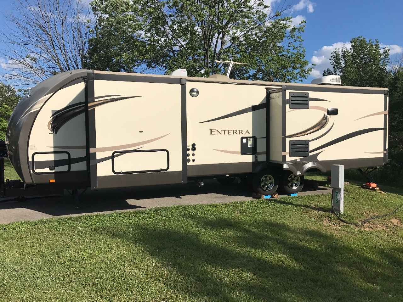 Used Enterra Travel Trailer