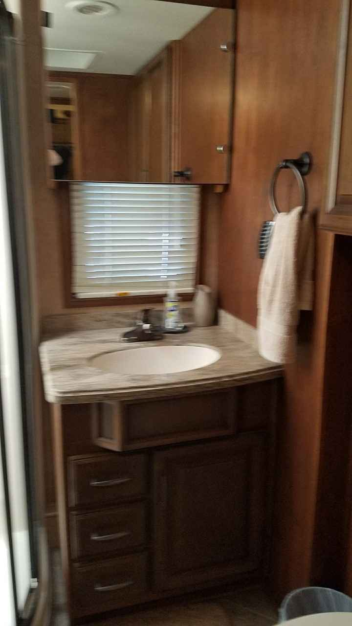 2014 Used Drv Mobile Suites 38resb3 Fifth Wheel In Illinois Il