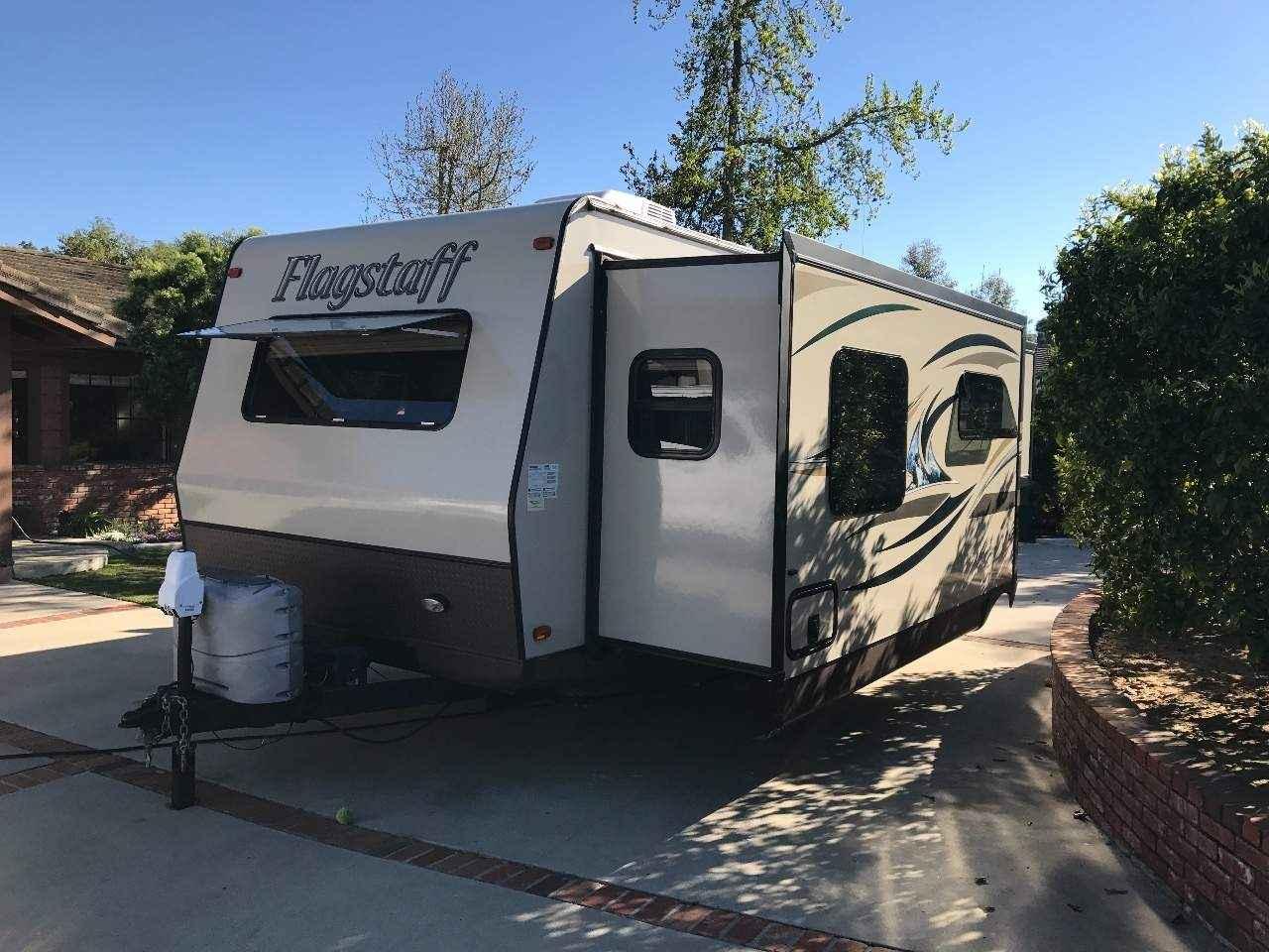 2014 used flagstaff super lite 26fkws travel trailer in california ca. Black Bedroom Furniture Sets. Home Design Ideas