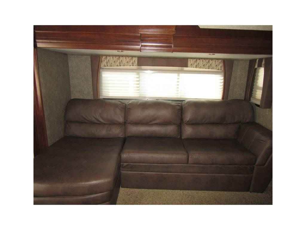 2014 Used Forest River Cardinal 3825fl Fifth Wheel In
