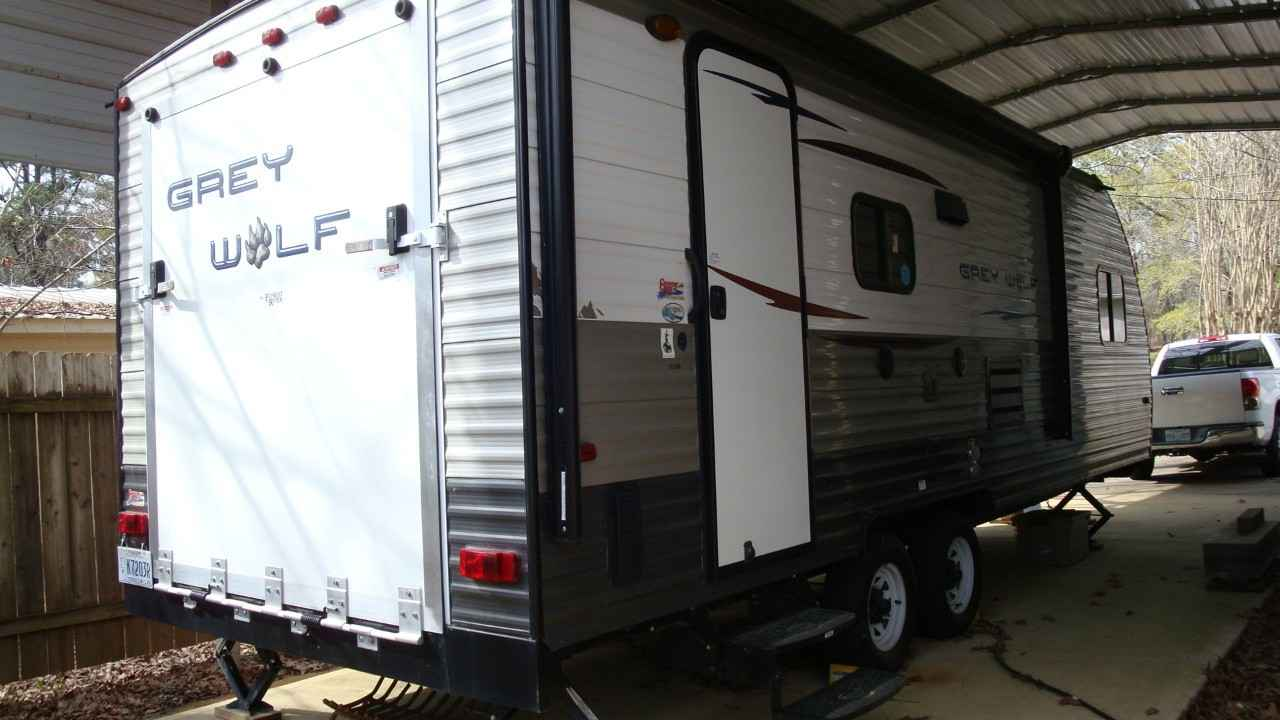 2014 Used Forest River CHEROKEE GREY WOLF 21RR Toy Hauler ...