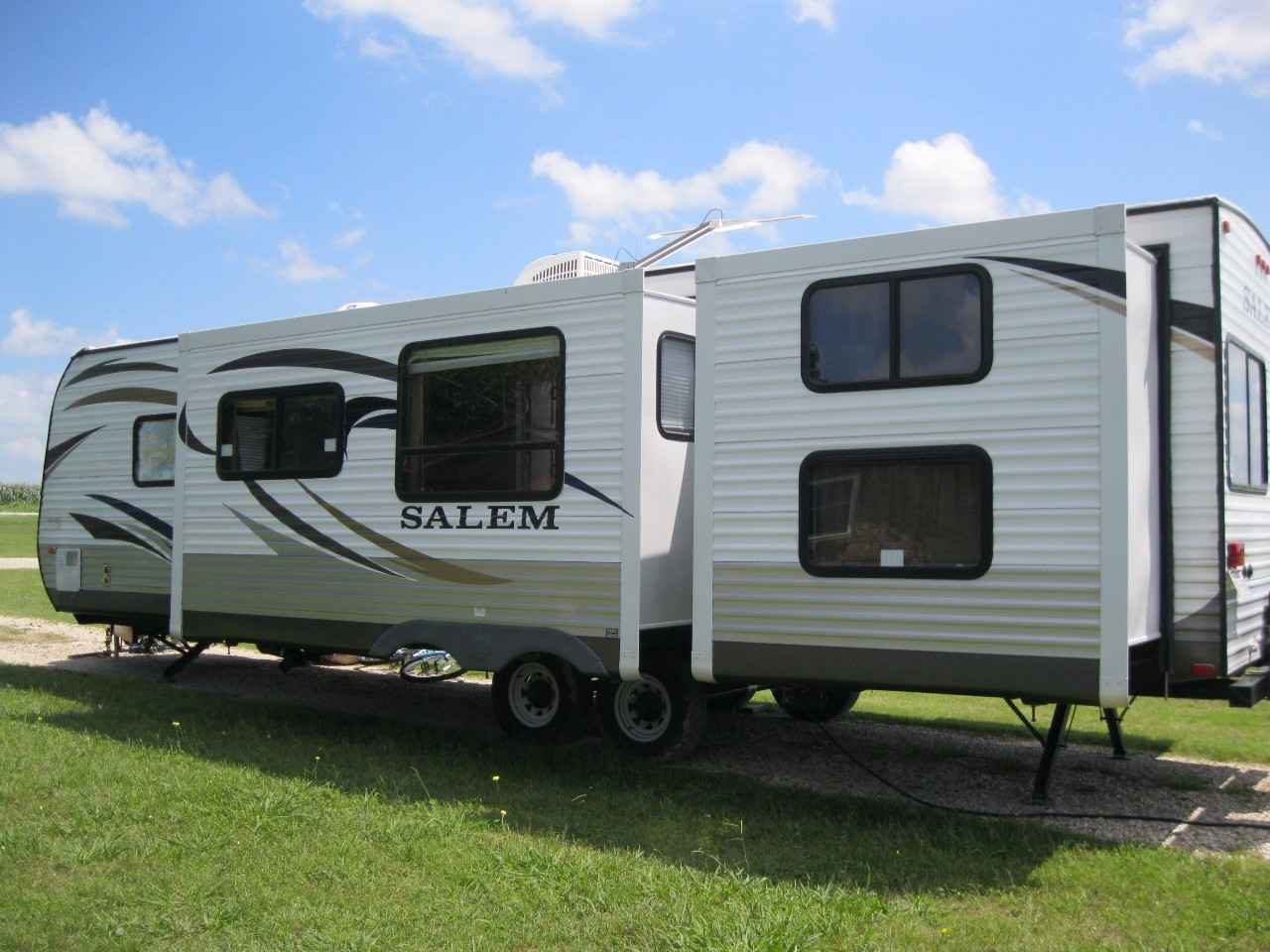 2014 Used Forest River SALEM 31BKIS Travel Trailer in Texas TX