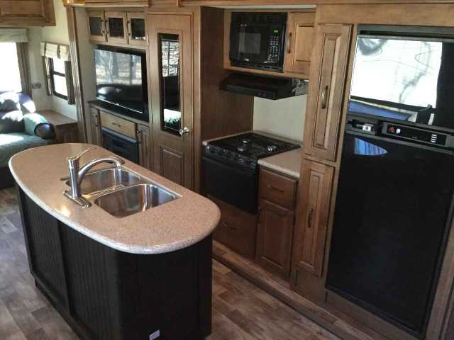 2014 Used Grand Design Reflection 337rls Fifth Wheel In
