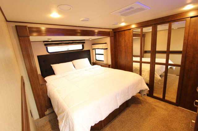 2014 Used Grand Design Solitude 369rl Fifth Wheel In
