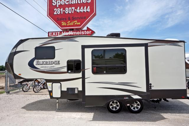 Half Ton Towable Fifth Wheels >> 2014 Used Heartland Rv Elkridge E22 Half Ton Towable 5th
