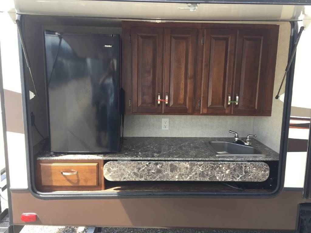 2014 Used Keystone Laredo 303tg Travel Trailer In Texas Tx