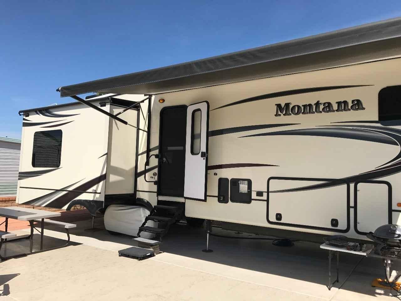 2014 Used Keystone Montana 3720rl Fifth Wheel In Arizona Az