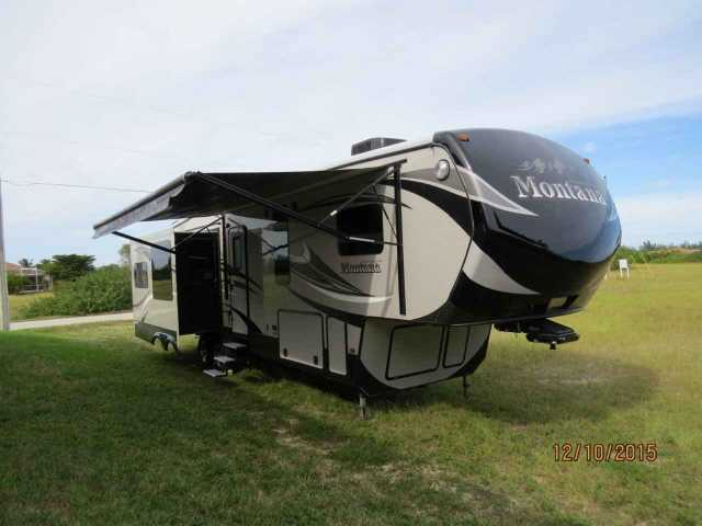 2014 Used Keystone Montana High Country 343rl Fifth Wheel