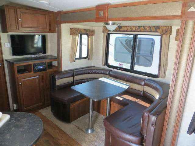 2014 Used Keystone Premier Rv S 19fbpr Travel Trailer In