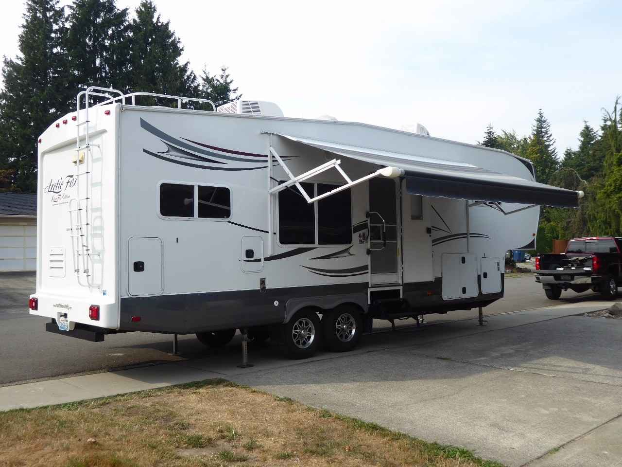 2014 Used Northwood Mfg Arctic Fox 29 5k Fifth Wheel In