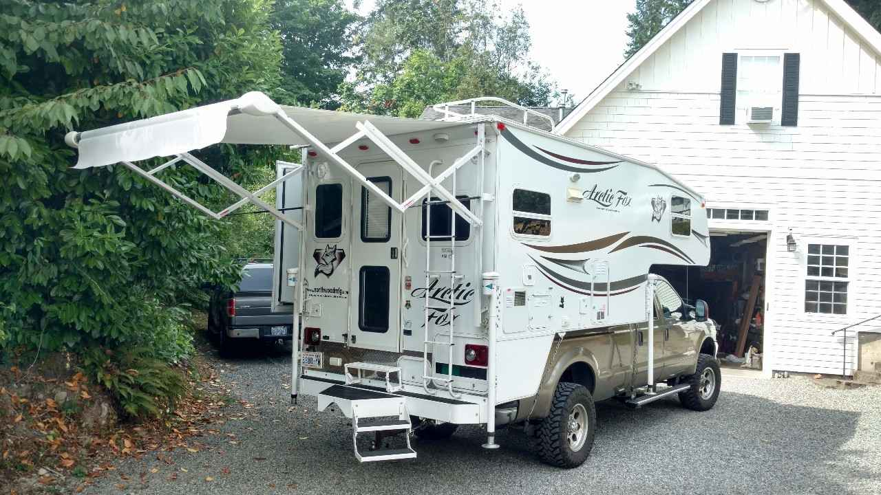 2014 Used Northwood Mfg Arctic Fox 992 Truck Camper In