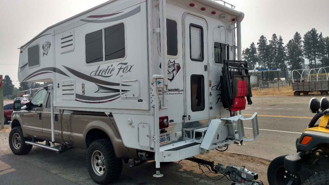 2014 Used Northwood Mfg Arctic Fox 992 Truck Camper In