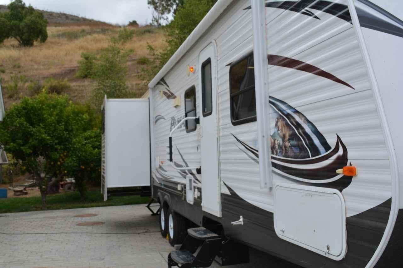 2014 Used Palomino PUMA 31-DBTS Travel Trailer in ...