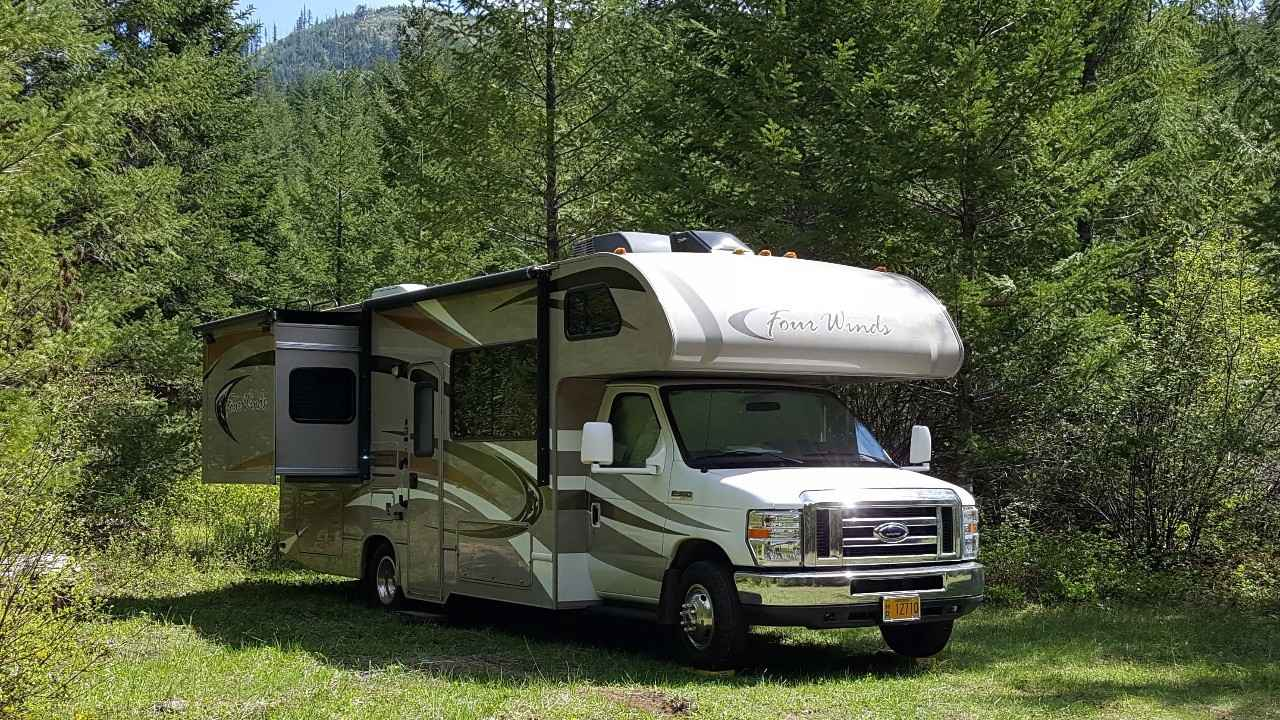2014 used thor motor coach four winds 26a class c in oregon or for Thor motor coach four winds