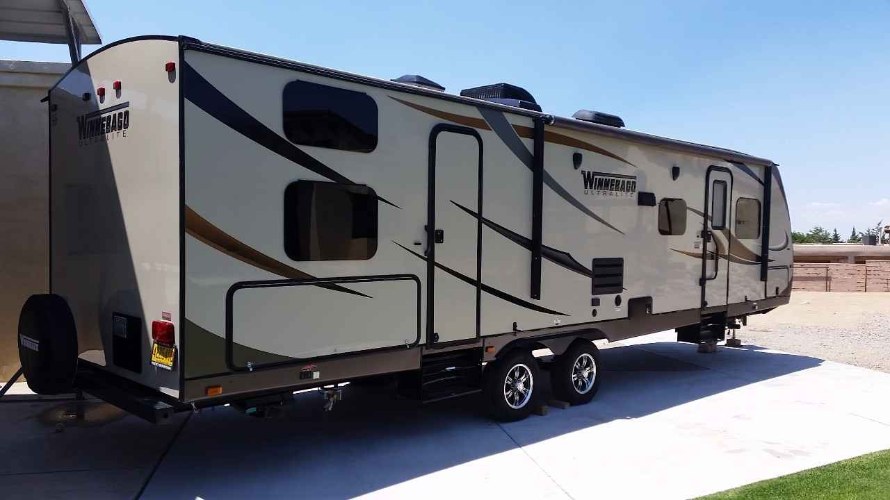 2014 Used Winnebago Ultralite 31bhds Travel Trailer In New