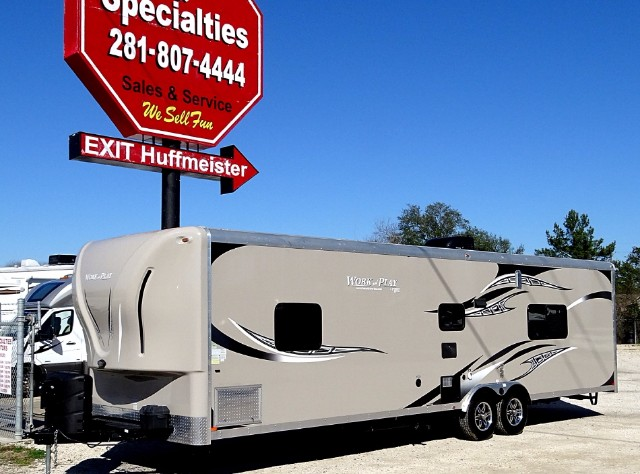 2014 Used Work And Play 30 Wla Toy Hauler In Texas Tx