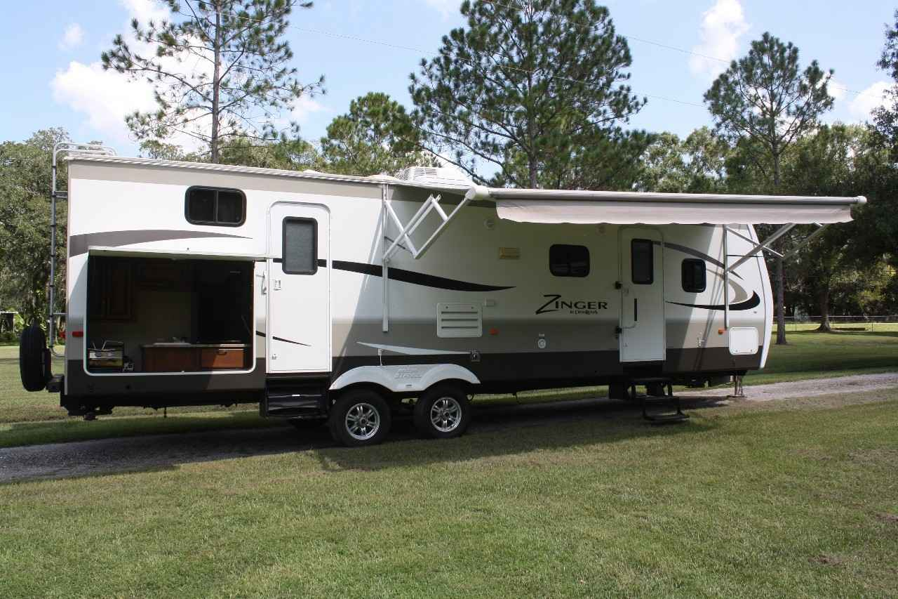 2014 Used ZINGER 31SB Travel Trailer in Florida FL