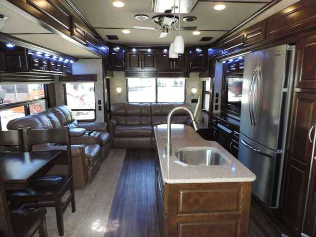 2015 New Augusta Rv Luxe AF39FL in Indiana IN