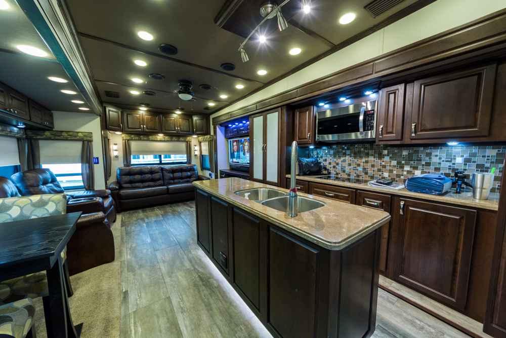 2015 Used Augusta Rv Luxe Lf 42rl Fifth Wheel In Florida Fl