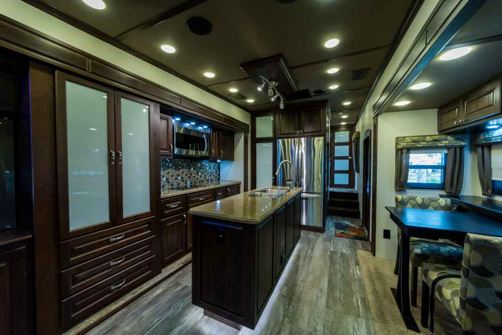 2015 Used Augusta Rv LUXE LF-42RL Fifth Wheel in Florida FL