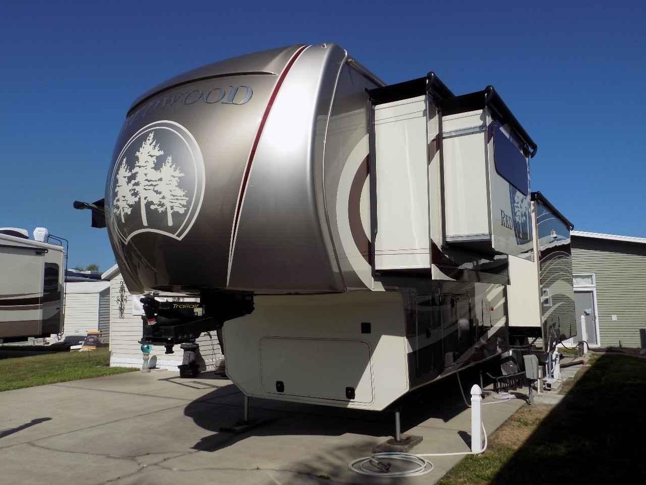 2015 Used Crossroads Redwood 38gk Fifth Wheel In Florida Fl
