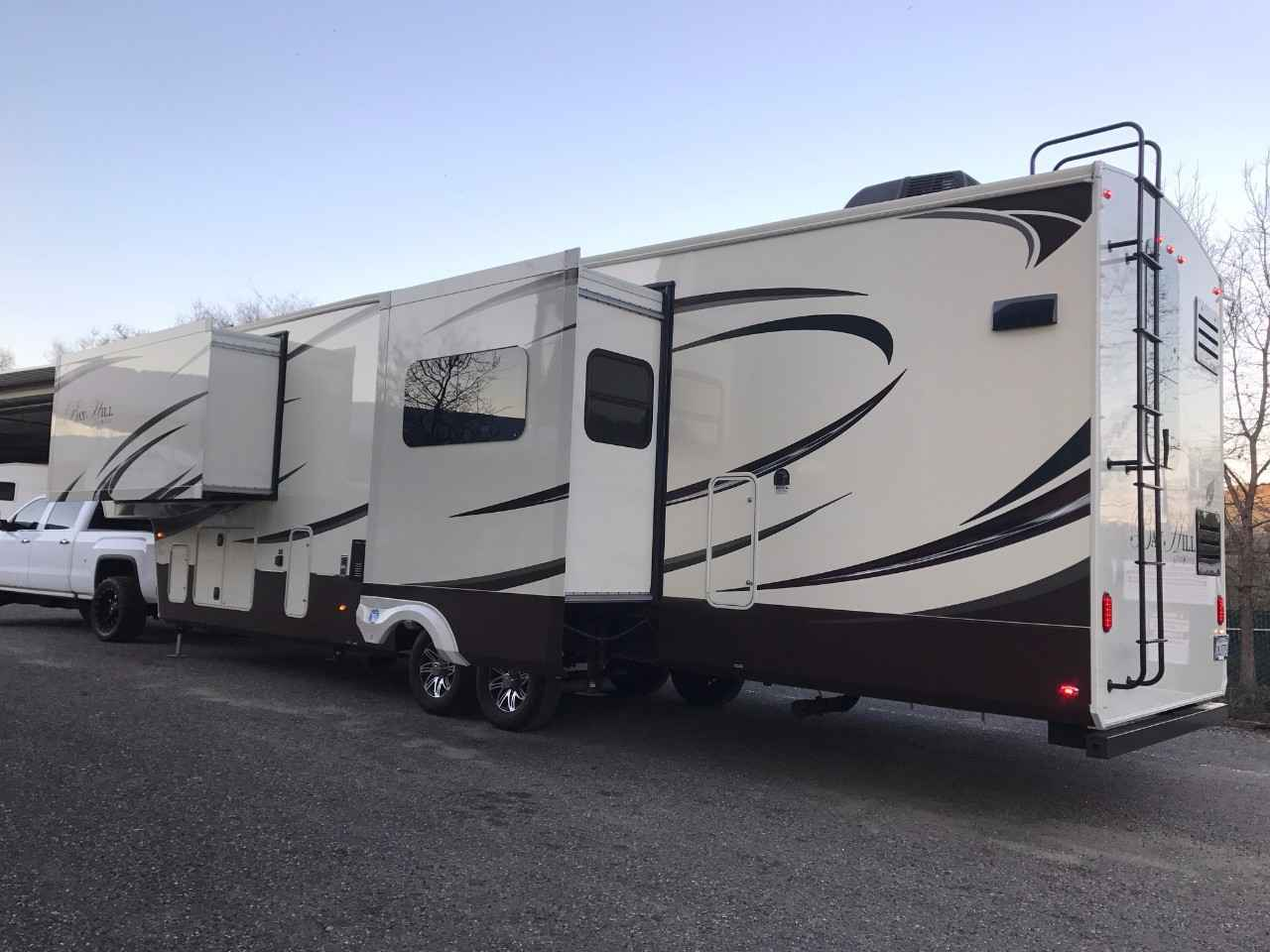 2015 Used Evergreen Bay Hill 340rk Fifth Wheel In