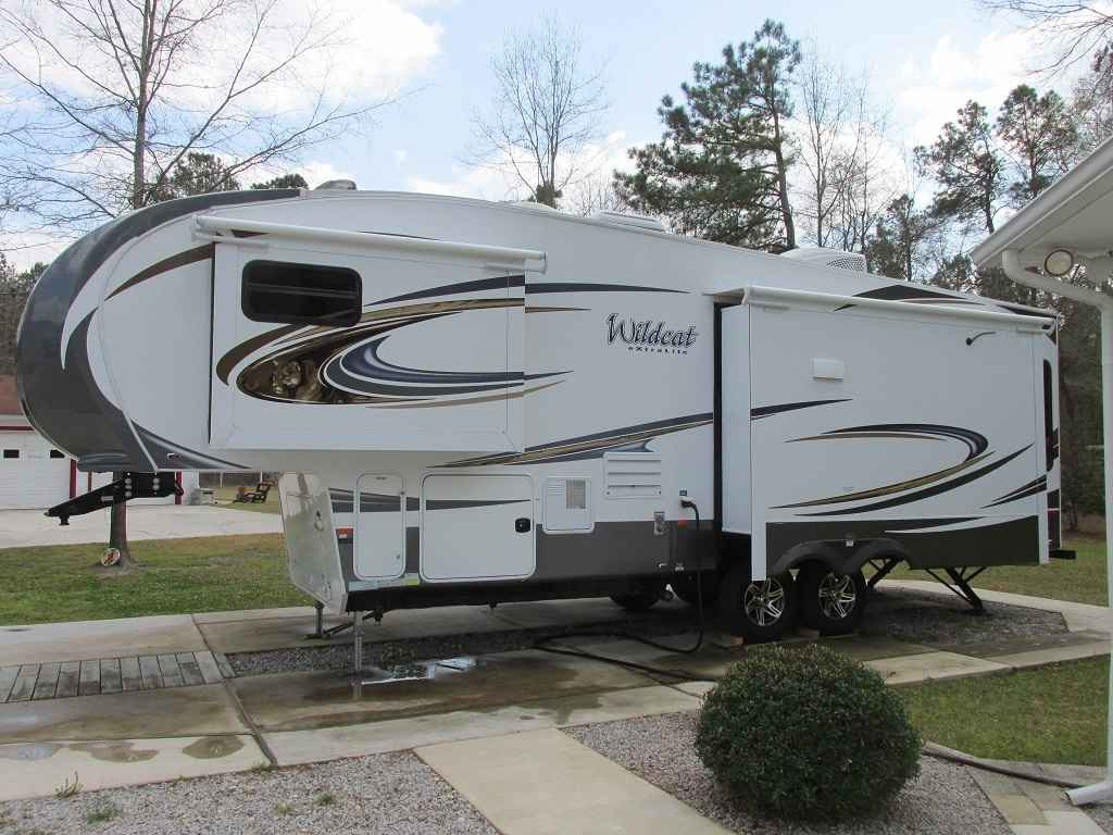 2015 Used Forest River Wildcat 295rsx Fifth Wheel In South
