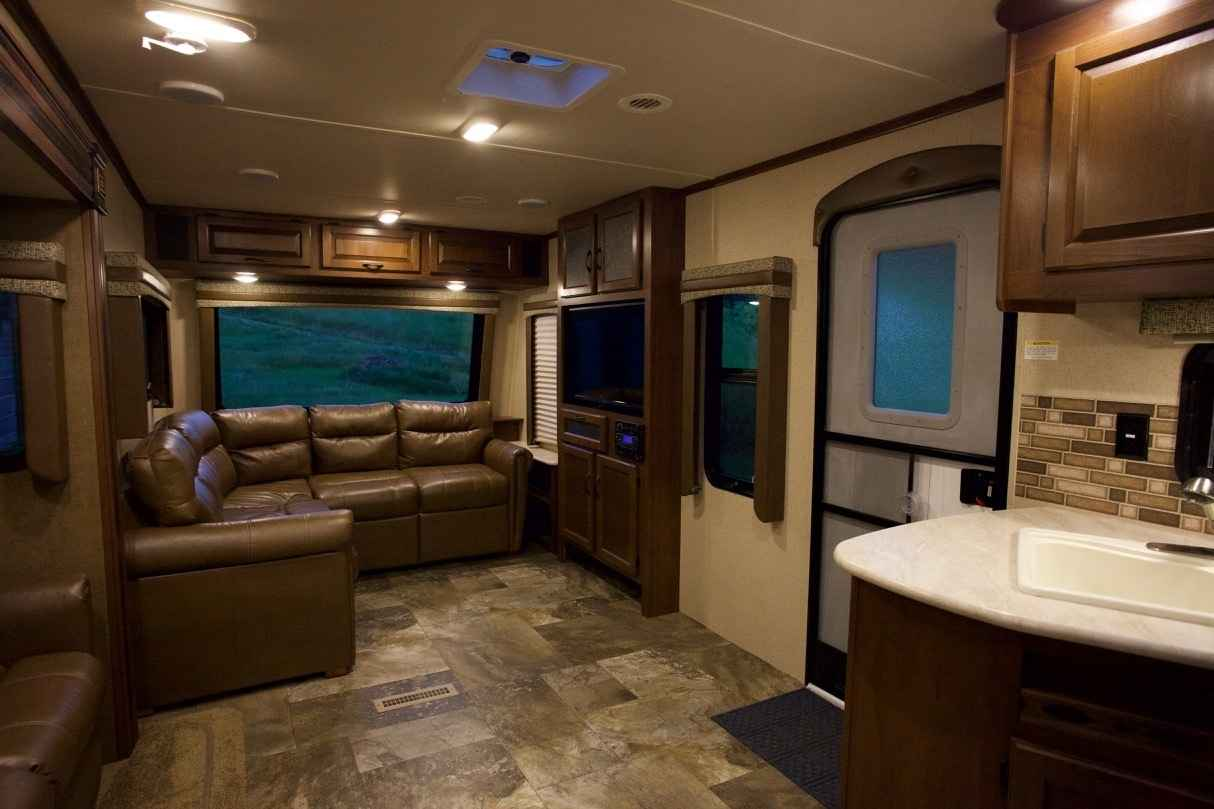 2015 Used Jayco Jay Flight 38fdds Travel Trailer In North