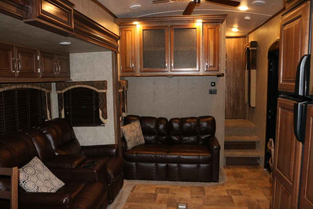 2015 Used Keystone Montana High Country 293rk Fifth Wheel